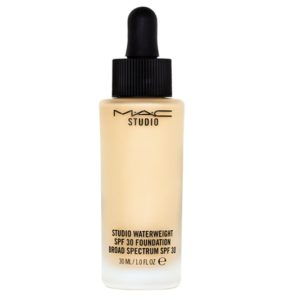 รองพื้นสูตรใหม่ MAC STUDIO WATERWEIGHT FOUNDATION FOND DE TEINT SPF30